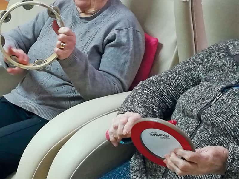 Gent Gran: Els beneficis de la musicoteràpia en les persones grans