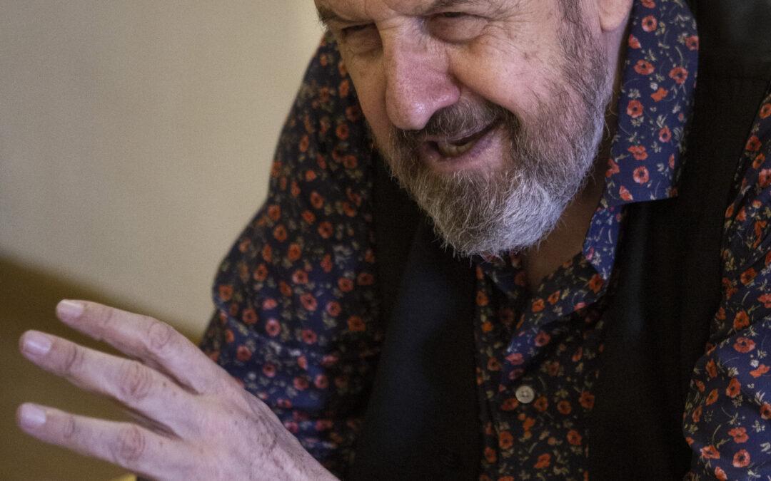 Josep Maria Pou: «Mientras tengas curiosidad, eres joven»