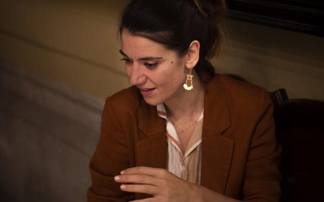 """Alba Pujol: """"Aquest país no descobert que no deixa tornar de les seves fronteres cap dels seus viatgers"""""""